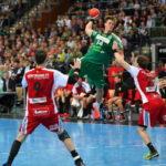 Niclas Pieczkowski - SC DHfK Leipzig vs. TuS N-Lübbecke am 08.10.2017 - Handball Bundesliga - Foto: Rainer Justen