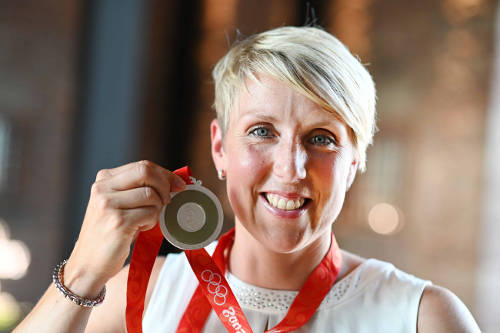 Christina Obergföll mit Silbermedaille - Quelle: DOSB/picture alliance